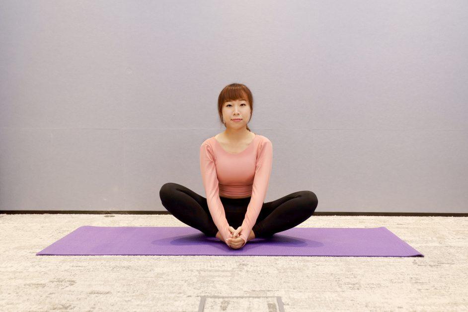 瑜伽動作-蝴蝶式